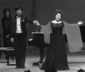 9月、しらかわホールでのリサイタルで、 平島さんと京子さん